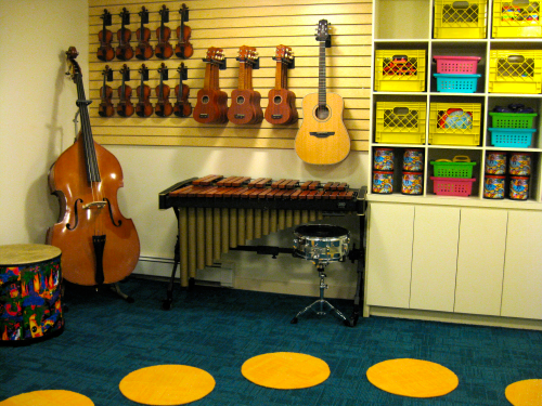 TLB Music Classes in NYC are a favorite of GGA Mamas for their eco studio, adorable music ed, and vegan owner!