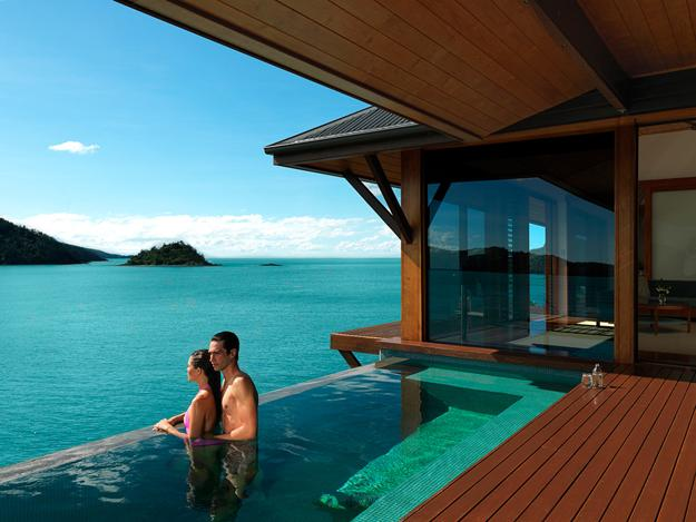infinity-swimming-pools-hotel-room-design-qualia-resort-1