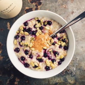 overnight-steel-cut-oats-with-frozen-blueberries-sunflower-seeds-and-nut-butter-680x680