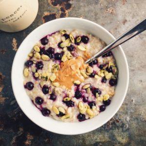 overnight-steel-cut-oats-with-frozen-blueberries-sunflower-seeds-and-nut-butter-680x680