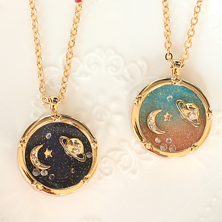 saturn-moon-sweater-chain