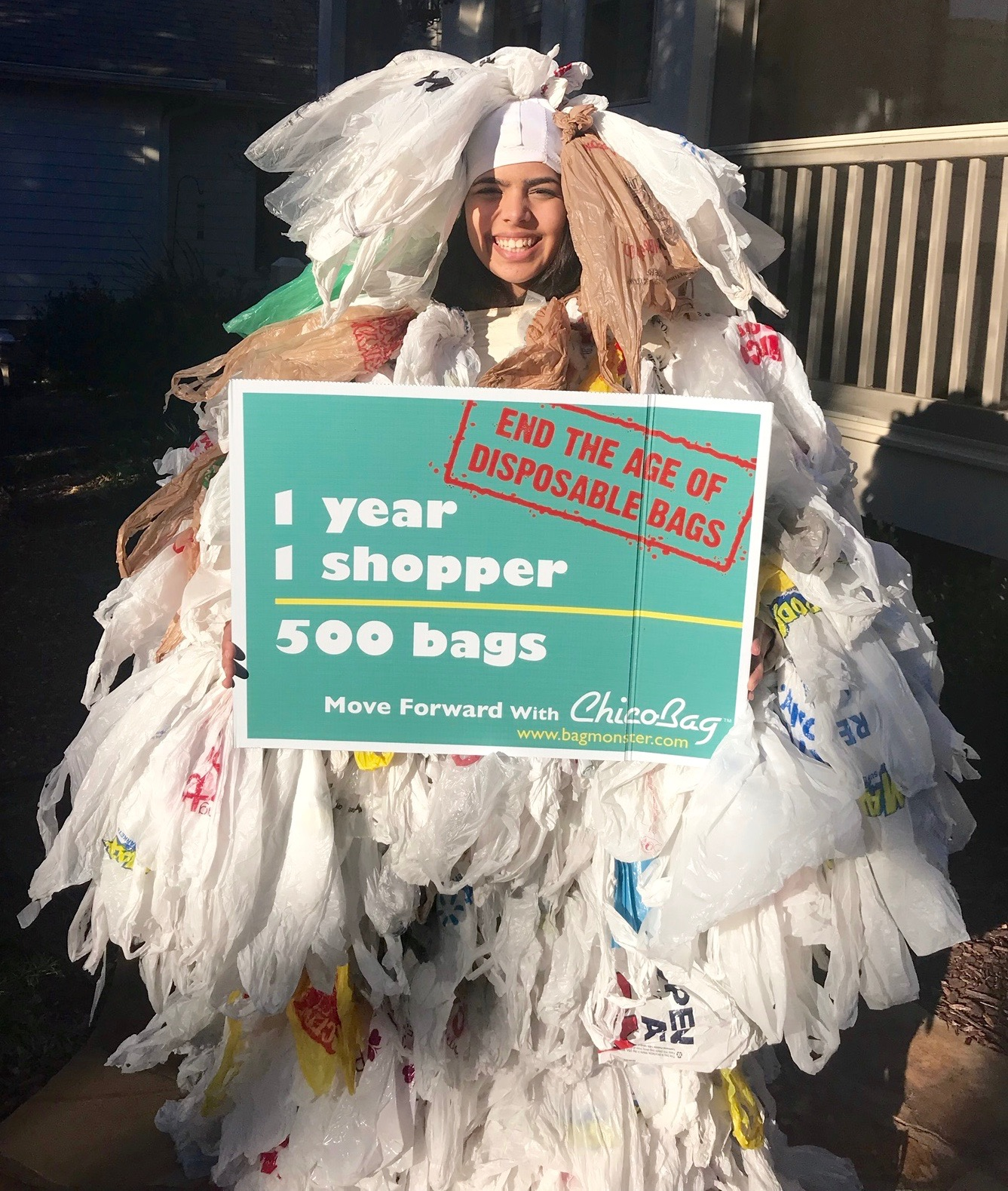 Hannah Testa, founder of hannah4change, has been educated thousands of people about the harmful effects of plastic pollution since she was 11. She is particularly focused on single-use disposable plastics such as plastic bags, bottles, and straws because these items we use for convenience are destroying the planet and its precious animals.