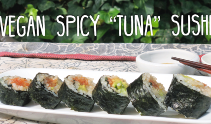 "The Ultimate Vegan Spicy ""Tuna"" Sushi Roll Made Magically From The Flesh Of Tomatoes"