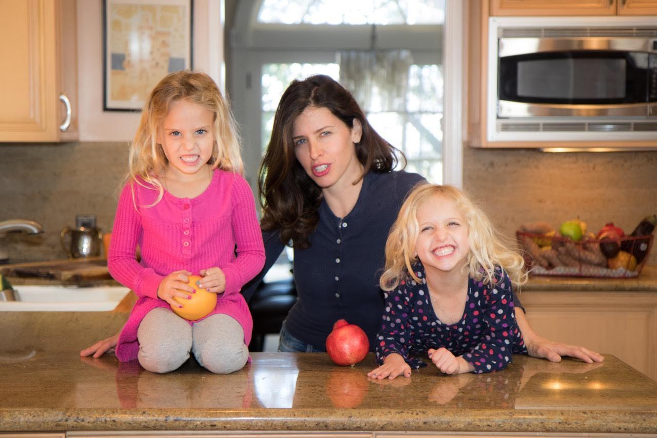Jenny Goldfarb is an entrepreneur vegan mom blogger